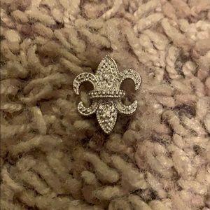 Jewelry - Fleur de lis pendant
